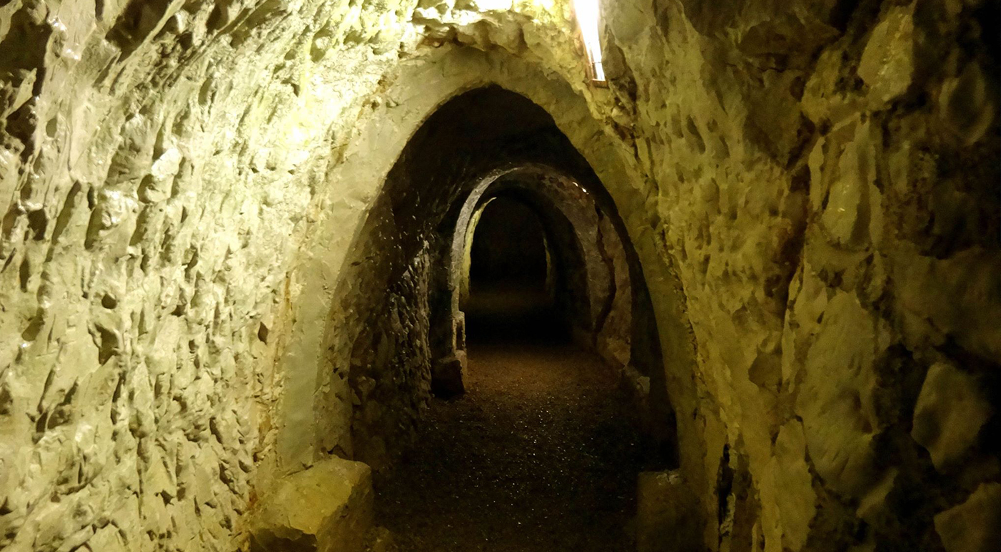 The Hellfire Caves Discover Britain S Towns