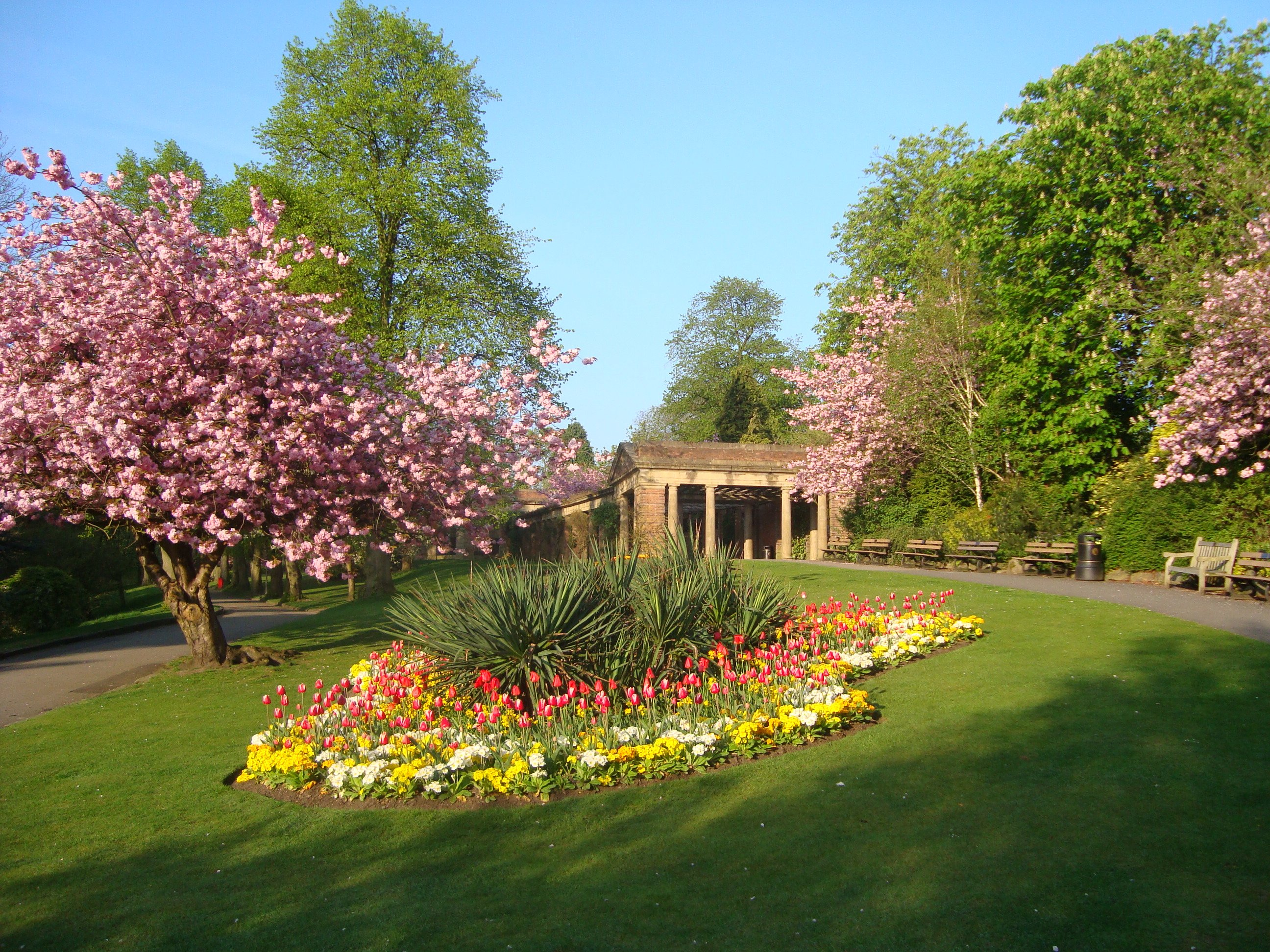Valley Gardens Sun Colonnade - Photo by Visit Harrogate