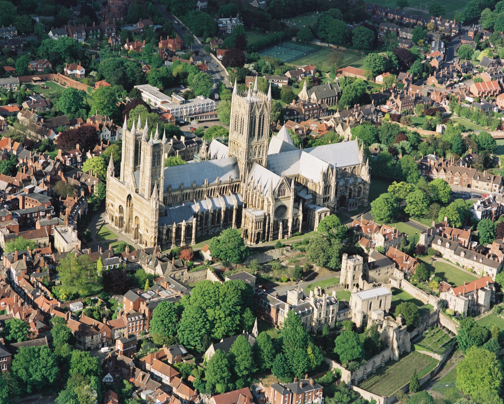 Aerial view of Lincoln Cathedra © Visit Lincoln
