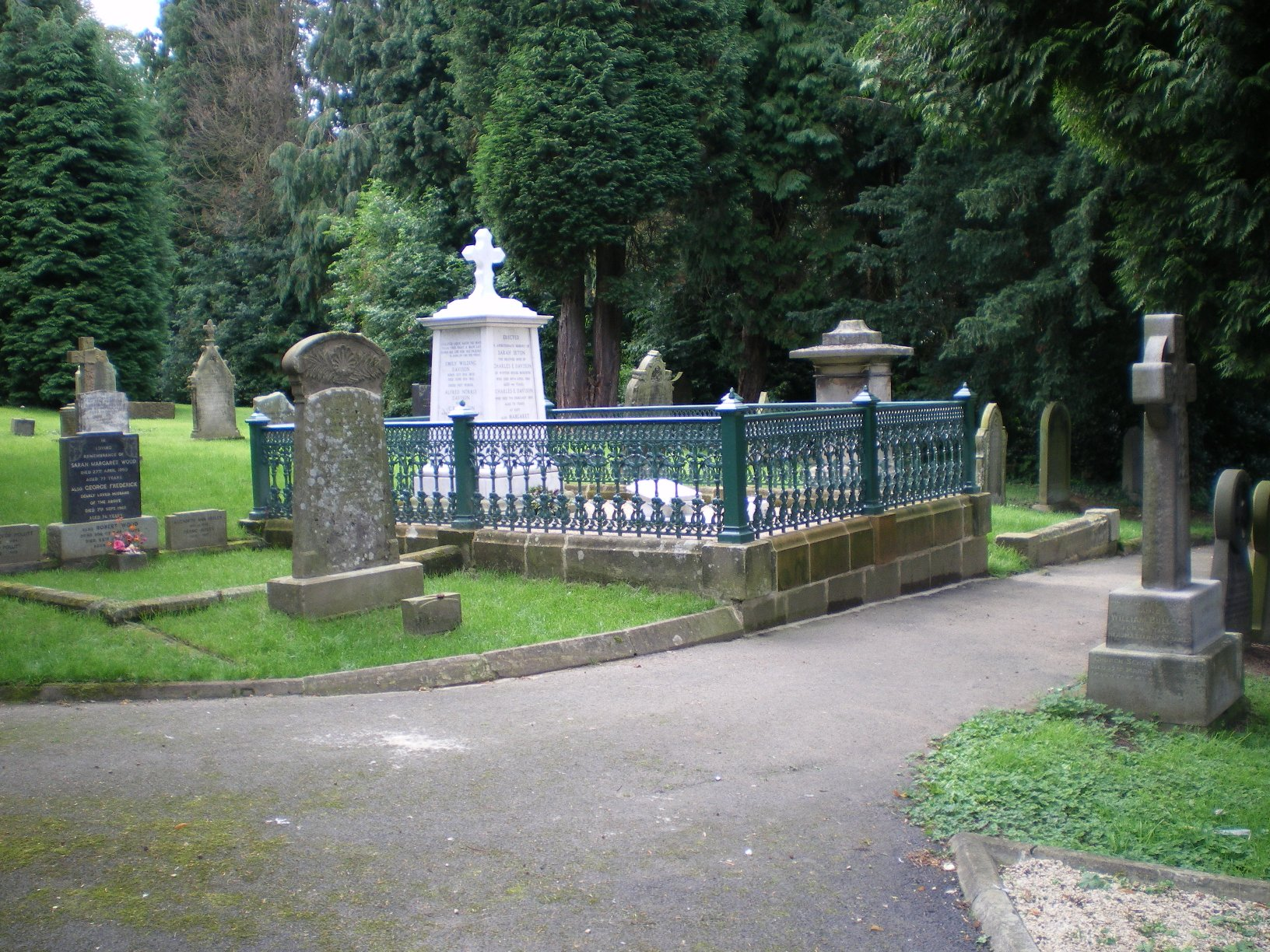 The grave of Emily Davidson in St Mary's churchyard