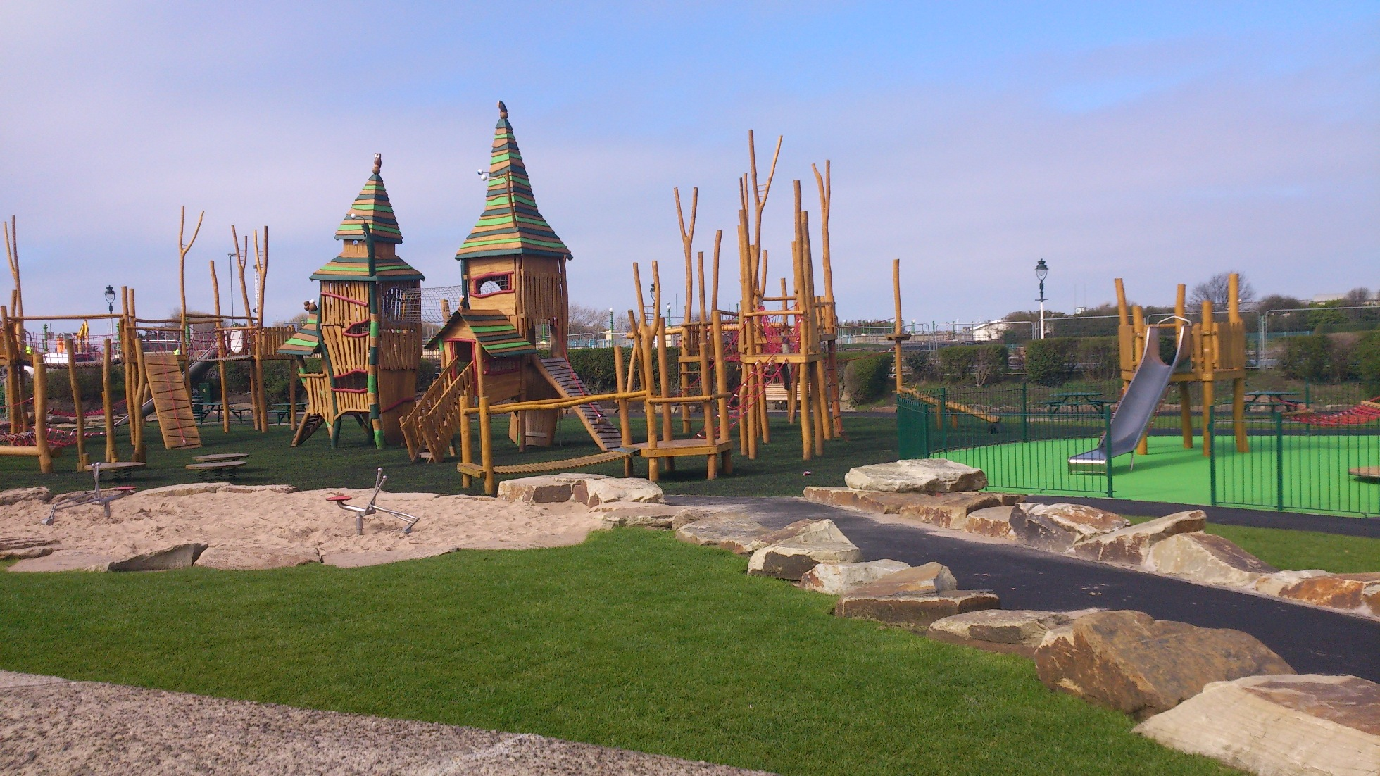 Kings Gardens showing fantastic children's play equipment © Visit Southport