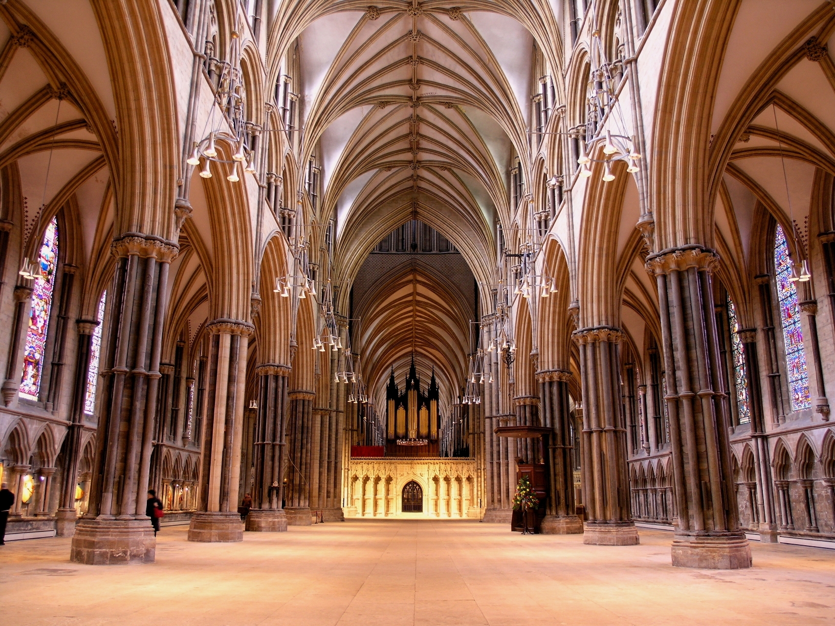 Lincoln Cathedral Nave © Visit Lincoln