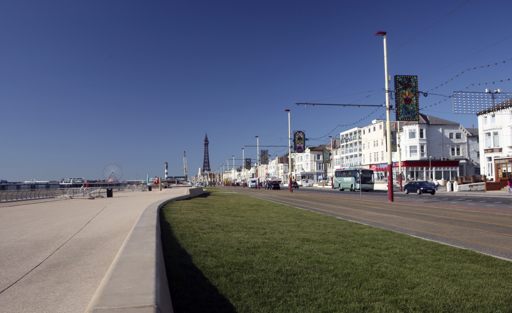 Blackpool Prom showing the Tower