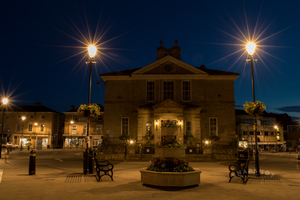 Town Hall at night © Leigh