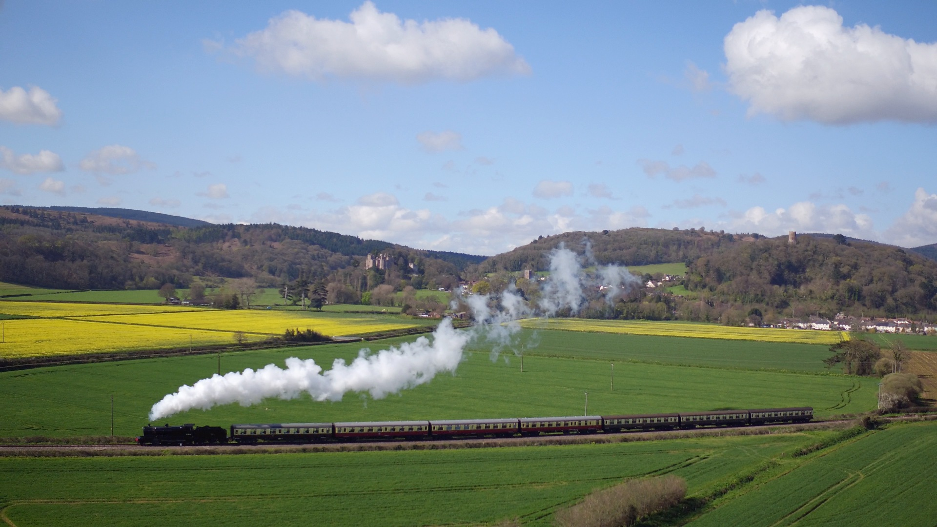 WSR train and Dunster Castle ©Julia Aimes Green Photography