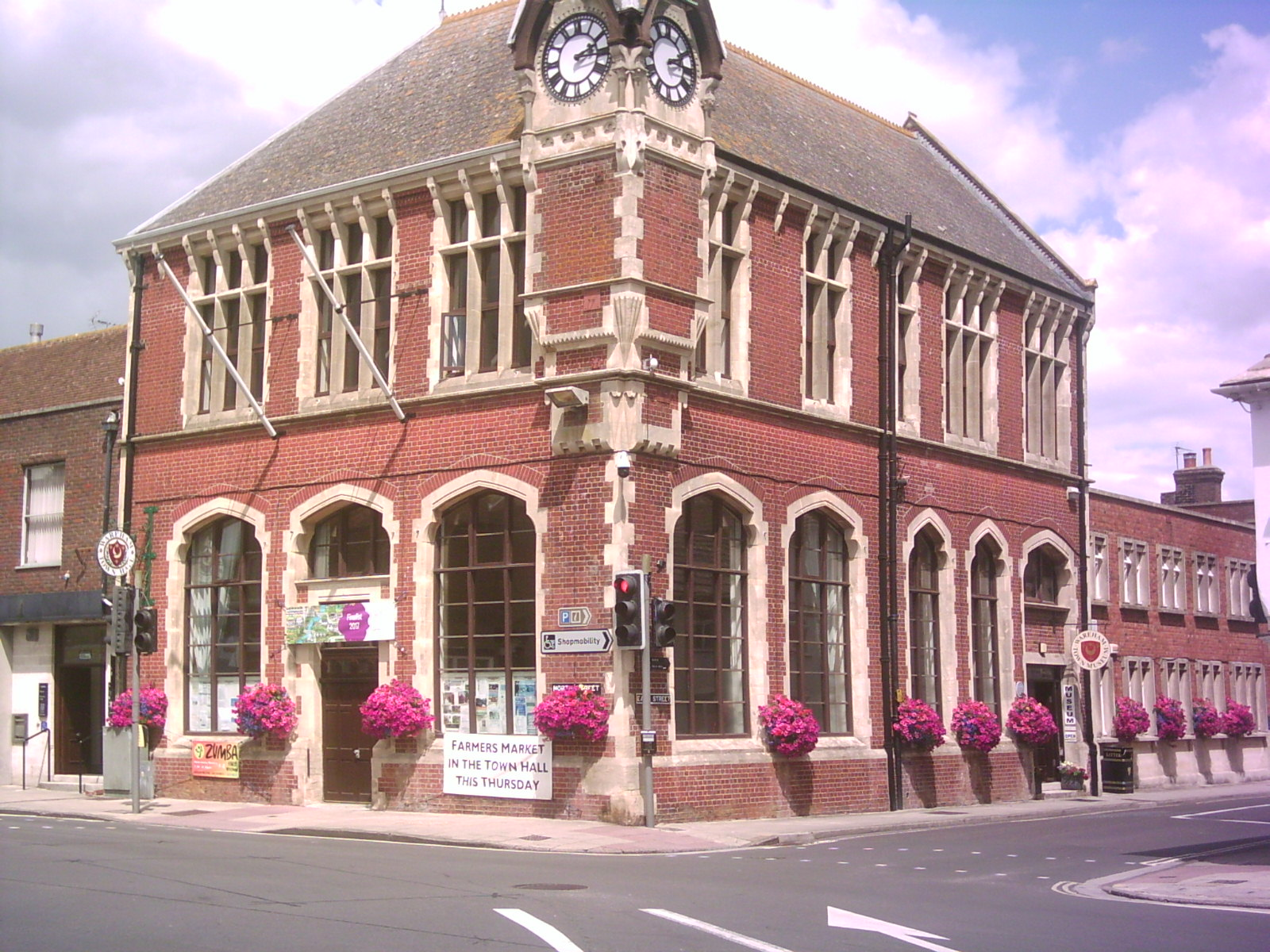 Wareham Town Hall dressed with hanging baskets for Britain in Bloom © H Randall