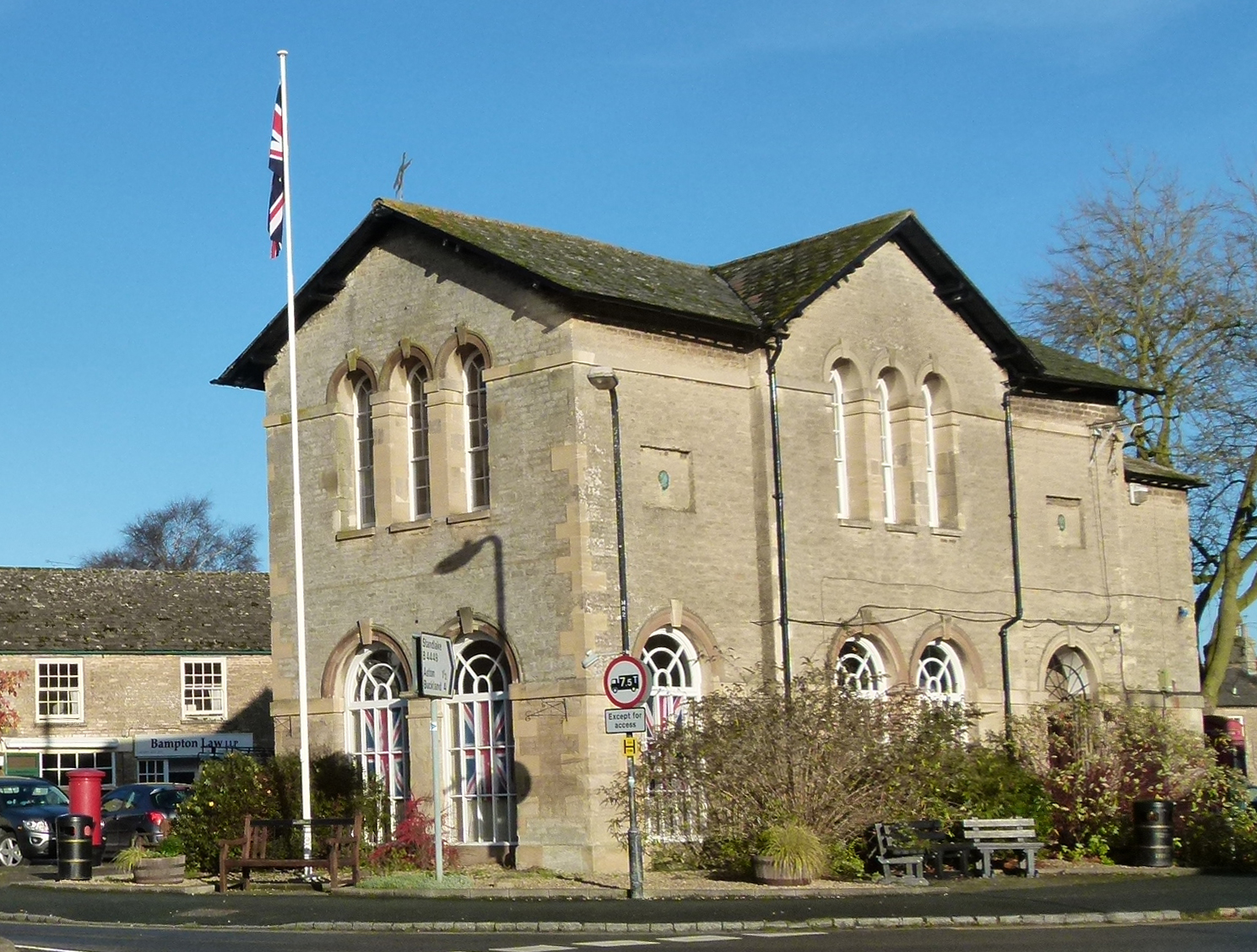 Bampton Town Hall © The Cotswolds
