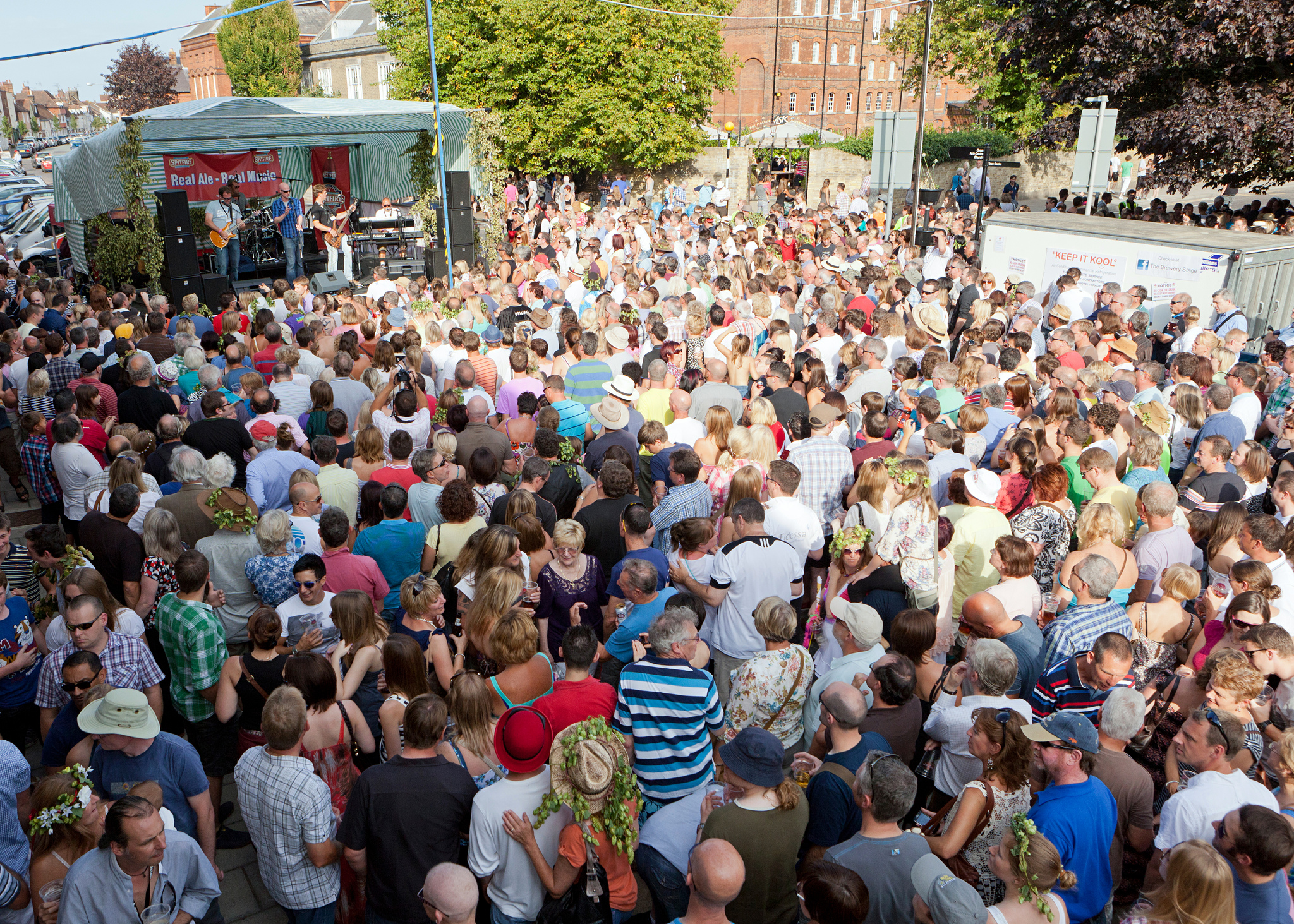 Crowds of people at Faversham Hop Festival © Visit Kent
