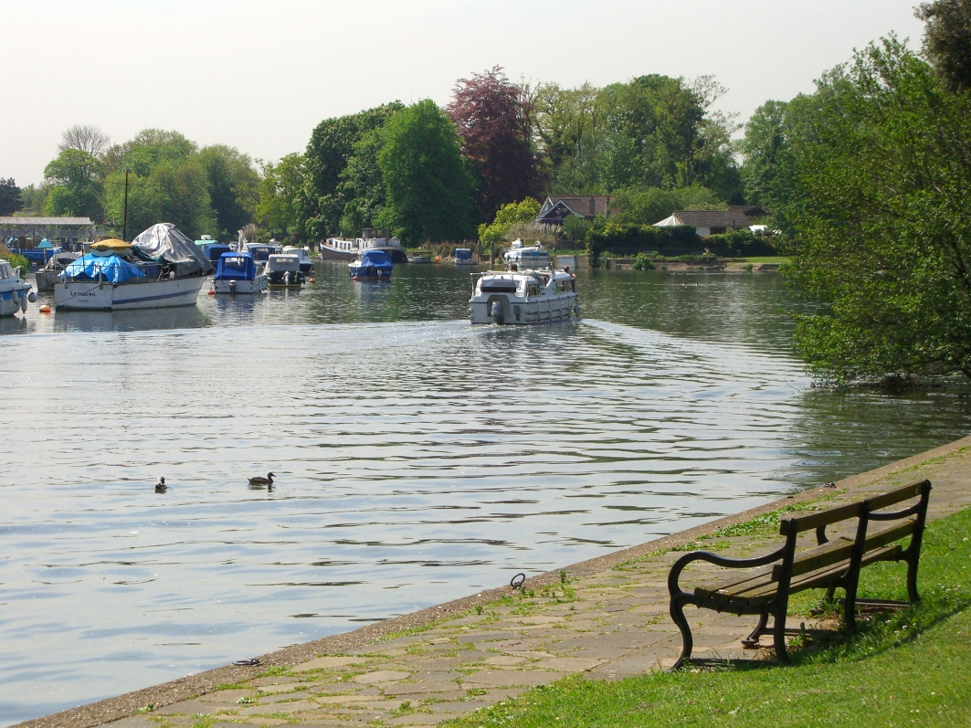 Shepperton River Thames © Spelthorne Borough Council