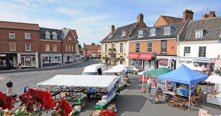Aylsham market place © visitnorthnorfolk.com