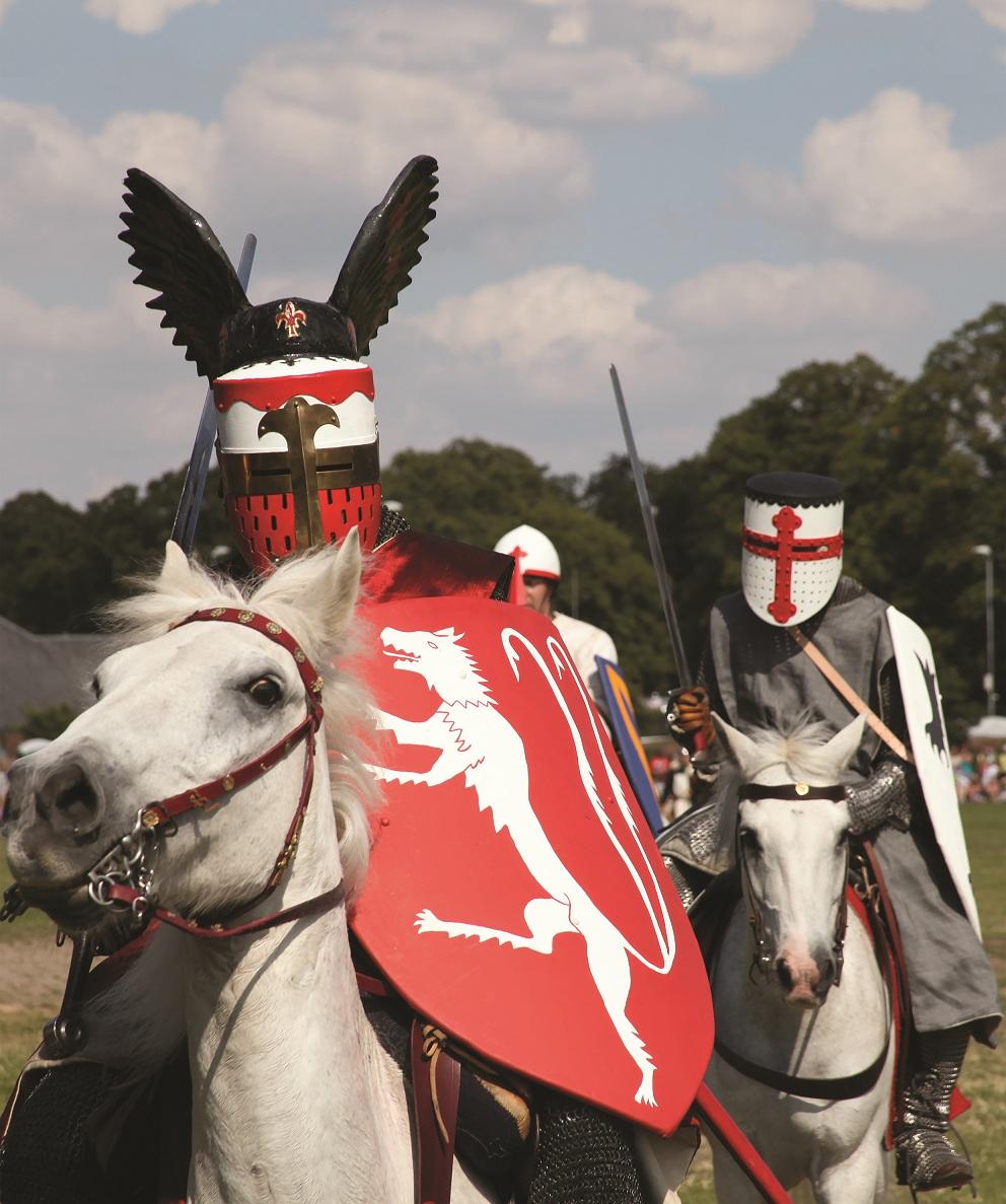 Simon de Montfort on horse © battleofevesham.co.uk