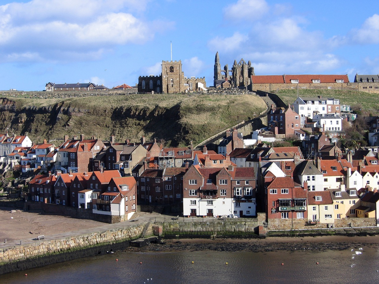 Whitby Abbey by Postbyte on Pixabay