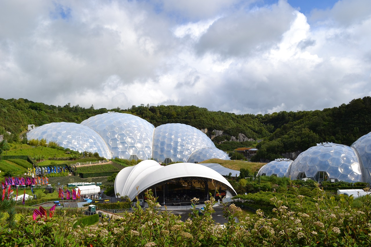 Eden Project by Penstones on Pixabay