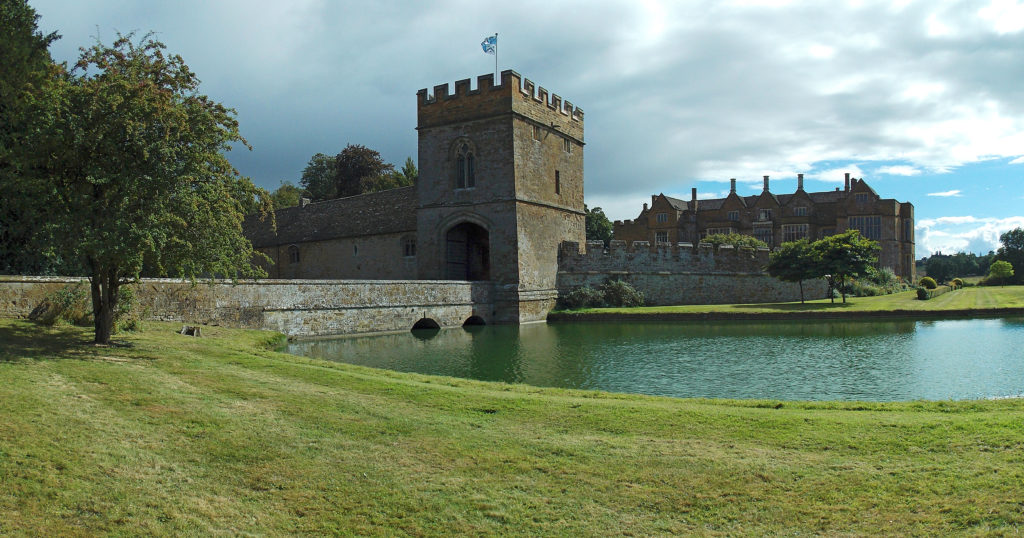 Broughton Castle Gatehouse